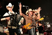 i-002263 (Paul Young and Los Pacaminos)